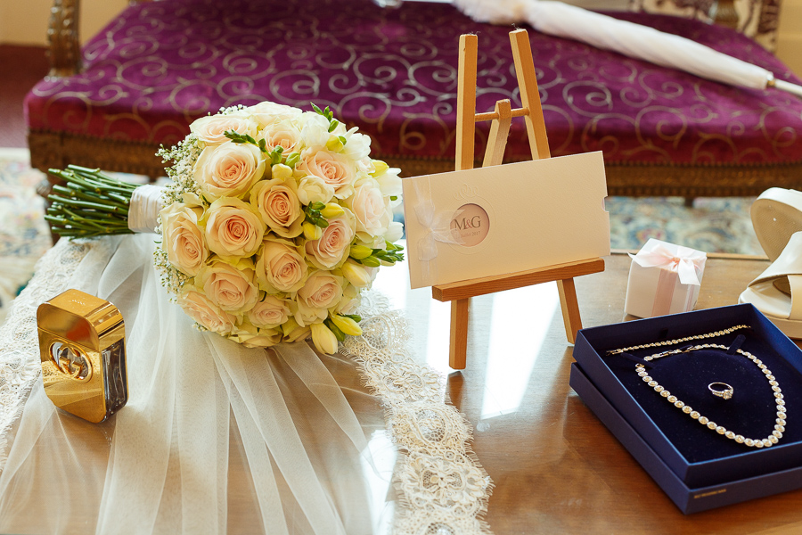 accessoires et bijoux de la mariée chambre nuptiale au chateau la motte Fénelon cambrai.