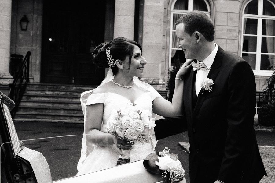 Photo noir et blanc du couple avant le départ pour la mairie de Flines-lez-Râches.