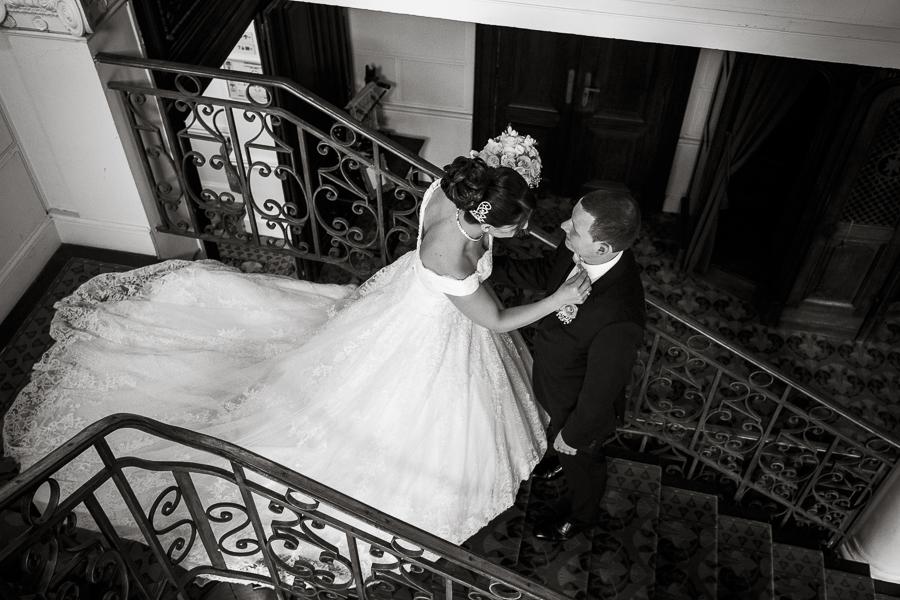 Photo noir et blanc mariage au château de la Motte Fénelon à Cambrai