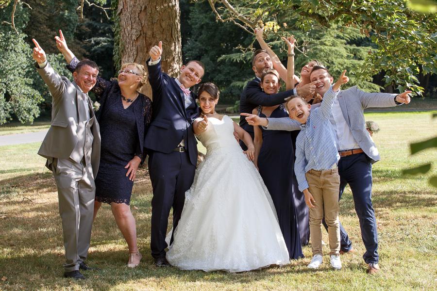 portrait de groupe en délire photo mariage parc Cambrai