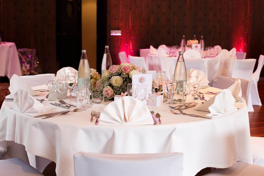 tables mariage château La Motte Fénelon