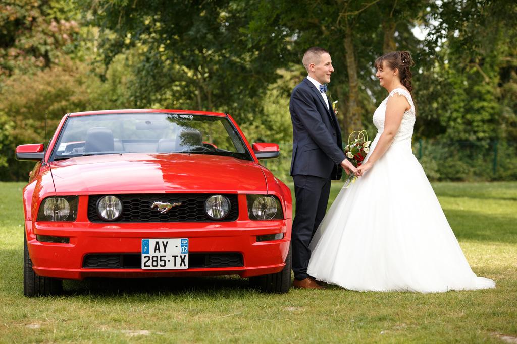mariage en mustang rouge photographe mariage nord