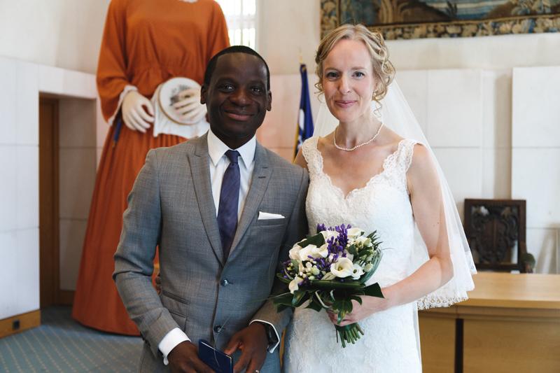 mariage cérémonie civile couple devant géant du Nord -reportage photo mairie La Madeleine Verlinghem Wambrechies Lille