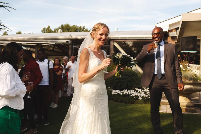 réception-vin-d'honneur-mariage-Domaine-de-la-Chanterelle-Verlinghem-Lille-Nord--mariée-et-invités---photographe-mariage-Verlinghem-Wambrechies-Lille