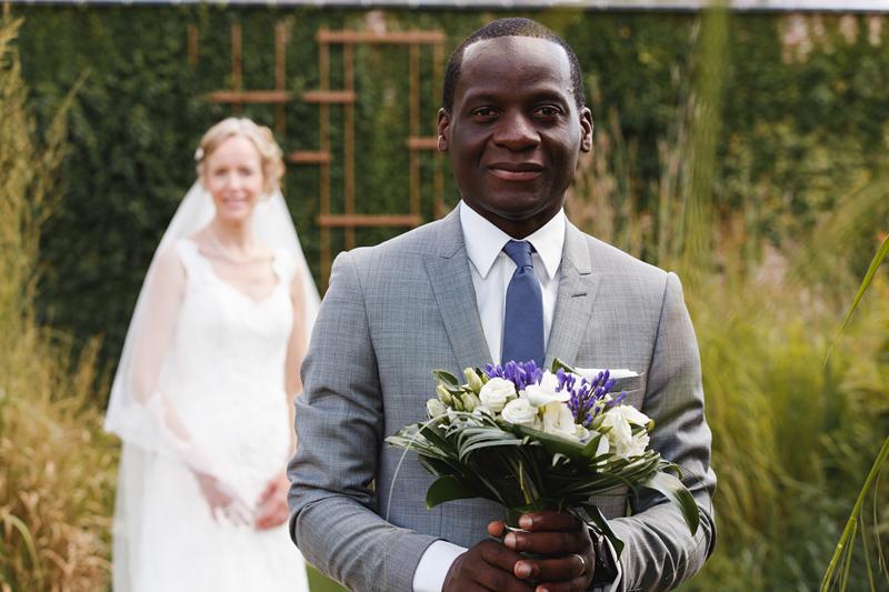 séance-couple-parc-Robersart-Wambrechies---portrait-du-marié---photographe-mariage-Nord-Lille-Hauts-de-France
