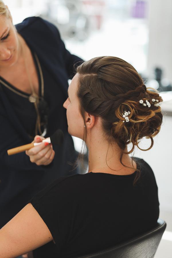coiffure et maquillage mariée chignon tressé photographe mariage Nord Lille