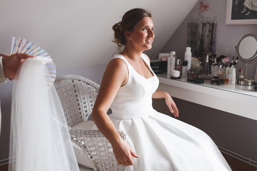 habillage de la mariée reportage photo mariage Nord Quesnoy sur Deûle Wambrechies Lille