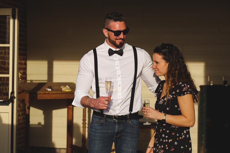 vin d'honneur Steenwerck-portrait jeune couple-photographe mariage Nord Lille Bailleul Armentières