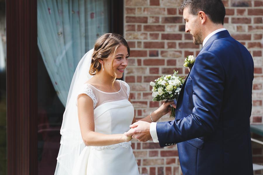 First Look découverte de la robe Comines photographe mariage reportage Nord Hauts de France Belgique