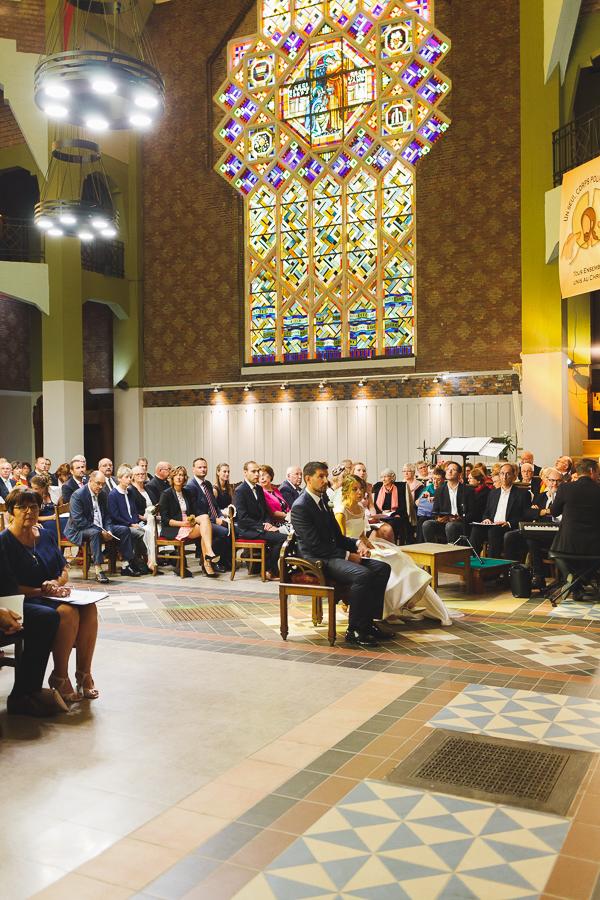 cérémonie mariage église Saint Chrysole Comines vitraux photographe mariage Comines Lille Nord Hauts de France