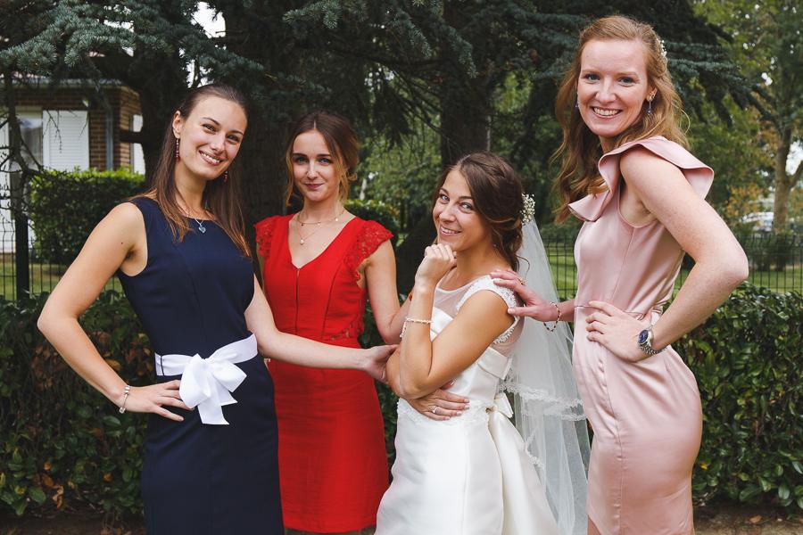 la mariée et ses amies et demoiselles d honneur photographe mariage Nord