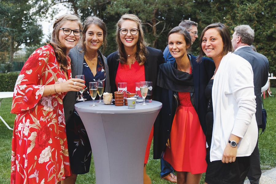 portrait de groupe vin d'honneur mariage Roncq et Comines photographe mariage Nord Pas de Calais Hauts de France Lille