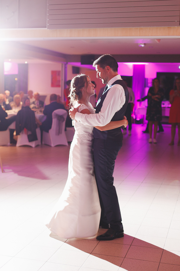 soirée mariage Nord danse couple mariés photographe mariage Nord Lille Comines Roncq Linselles Mouvaux Hauts de France