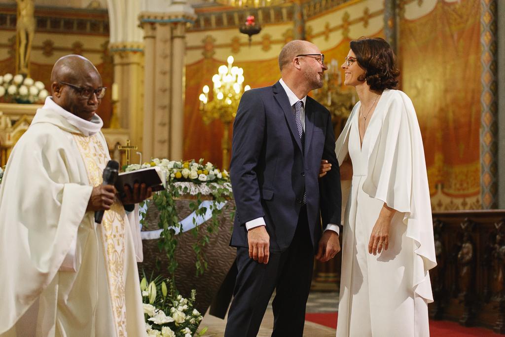cérémonie renouvellement des vœux église de Wambrechies couple et prêtre