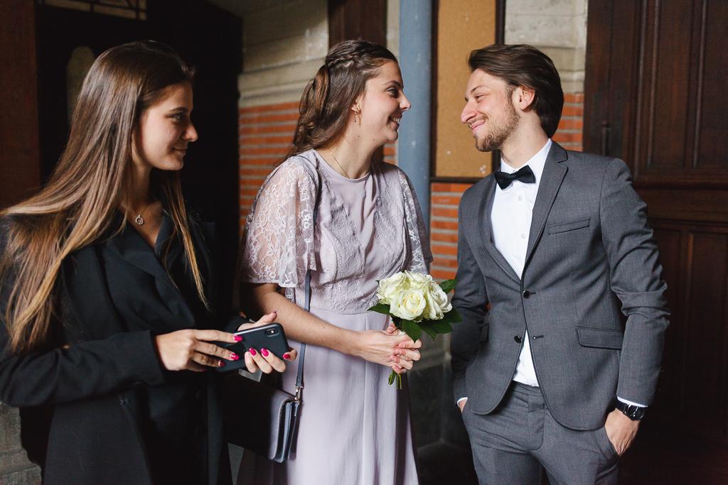 portrait sur le vif d'invités avant la cérémonie civile