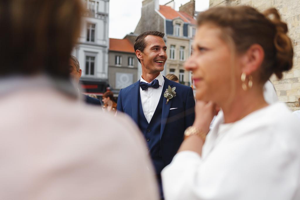 marié costume bleu Boulogne sur Mer mariage bucolique Nord Pas de Calais Côte d'Opale