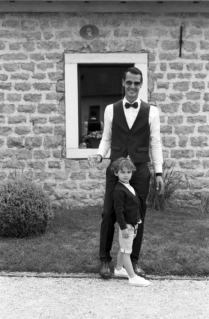 père et fils mariage Nord photo noir et blanc argentique