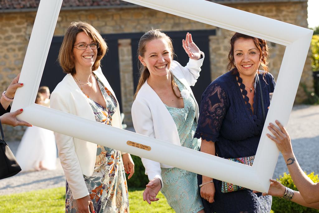 trois femmes encadrées portrait pendant cocktail mariage