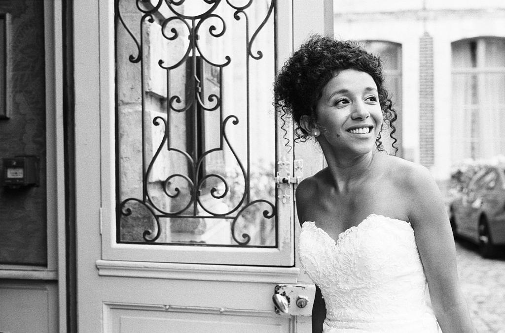 portrait mariée noir et blanc argentique Gosnay photographe mariage pro Lille