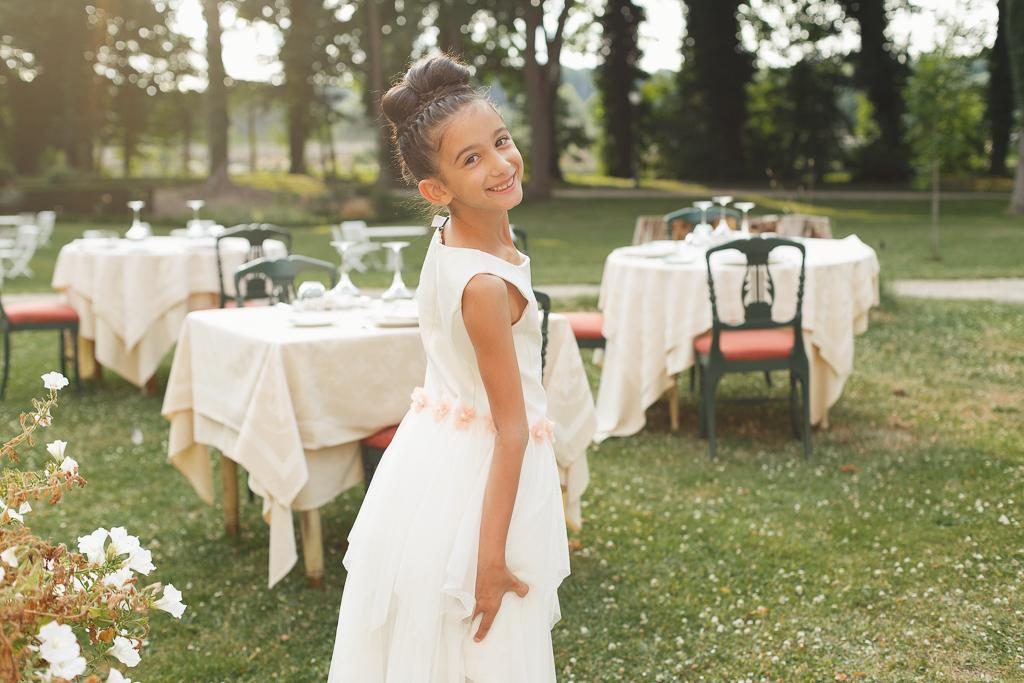 portrait fille en robe blanche reception mariage parc domaine de la chartreuse hauts de france