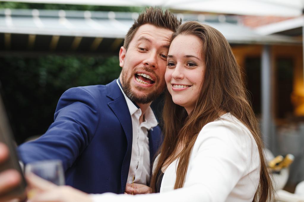 selfie des invités vin d'honneur mariage Nord