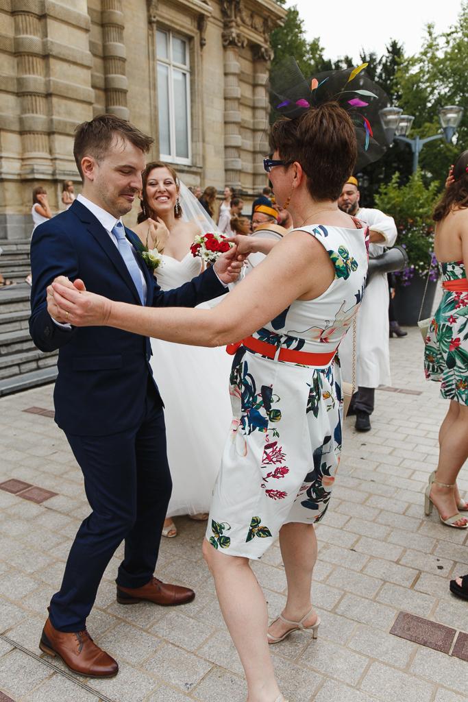 pas de danse devant mairie Hauts de France photographe mariage Lille Nord