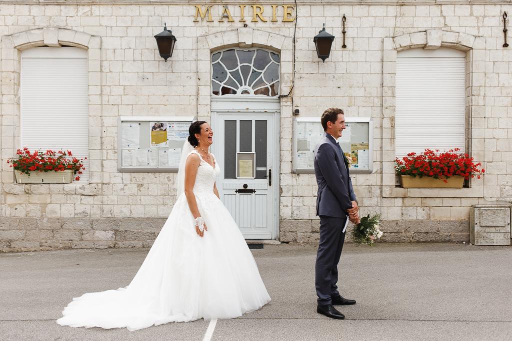 first look devant mairie Licques mariage Hauts de France