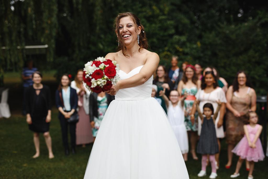 mariée avant lancer bouquet animation mariage vin d'honneur Nord