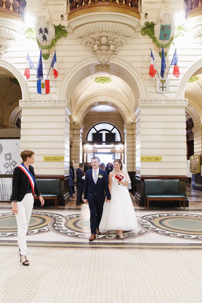 hall entrée mairie Tourcoing Hauts de France maire accueille couple