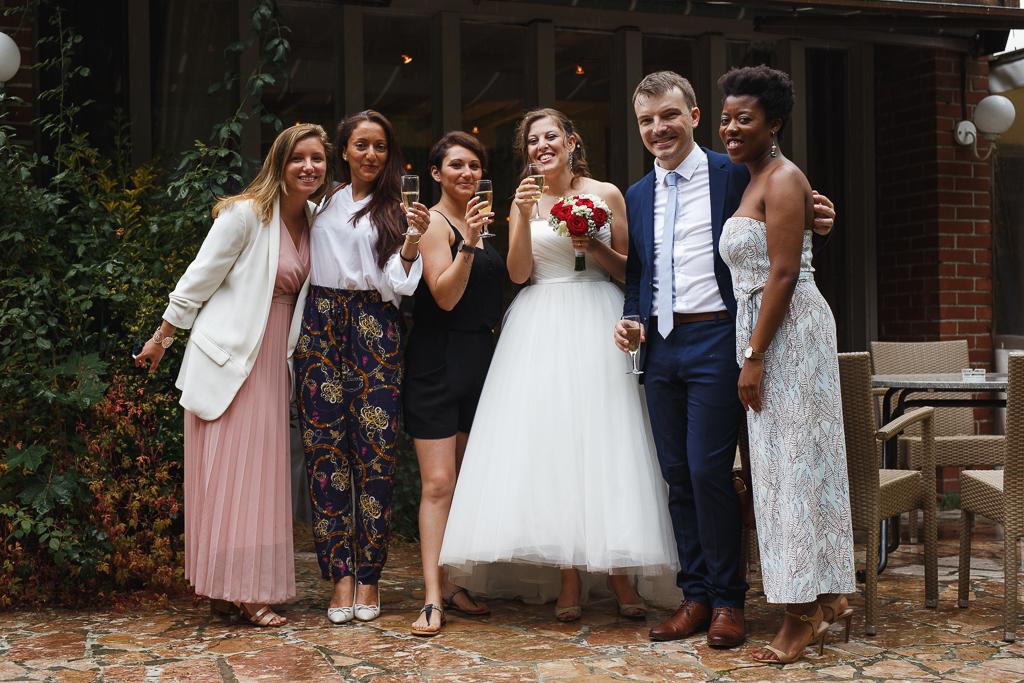 photo groupe mariage mariés et invités proche Lille Nord