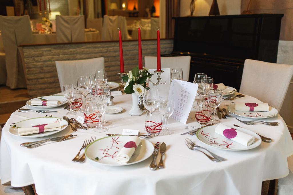 salle réception mariage déco table chandelier bougies rouges Marcq en Barœul Nord