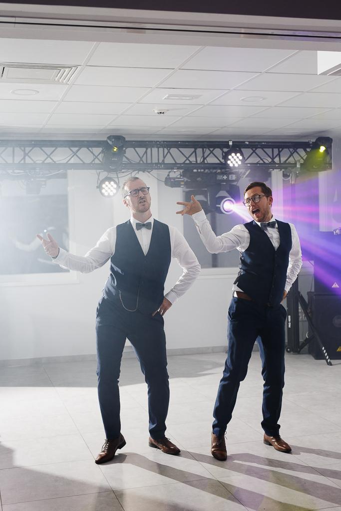 soirée mariage mariés sur dancefloor reportage mariage Hauts-de-France Nord Lille Avesnois
