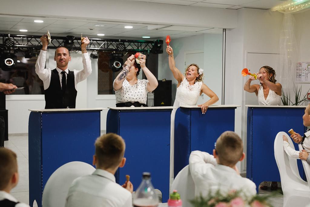 soirée mariage invités jouent le jeu