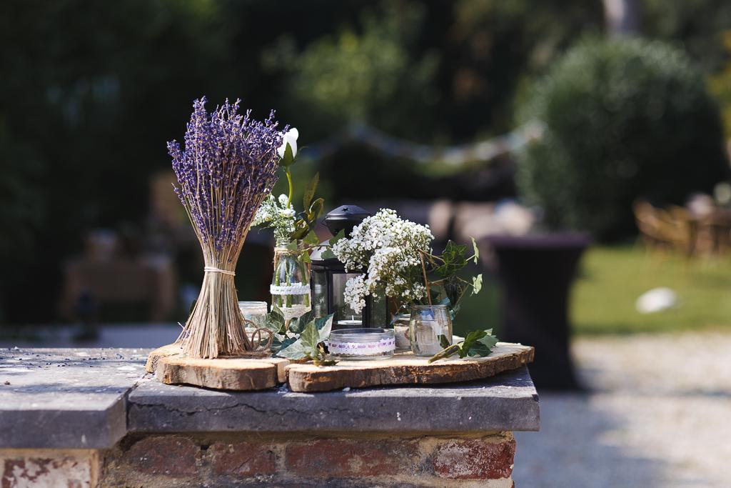 déco mariage extérieur vases lampe lavande