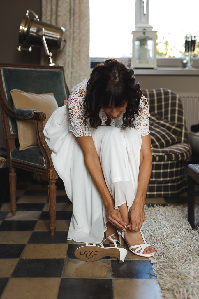 habillage de la mariée chaussures love marquage sur la semelle intérieur de la Ragotière