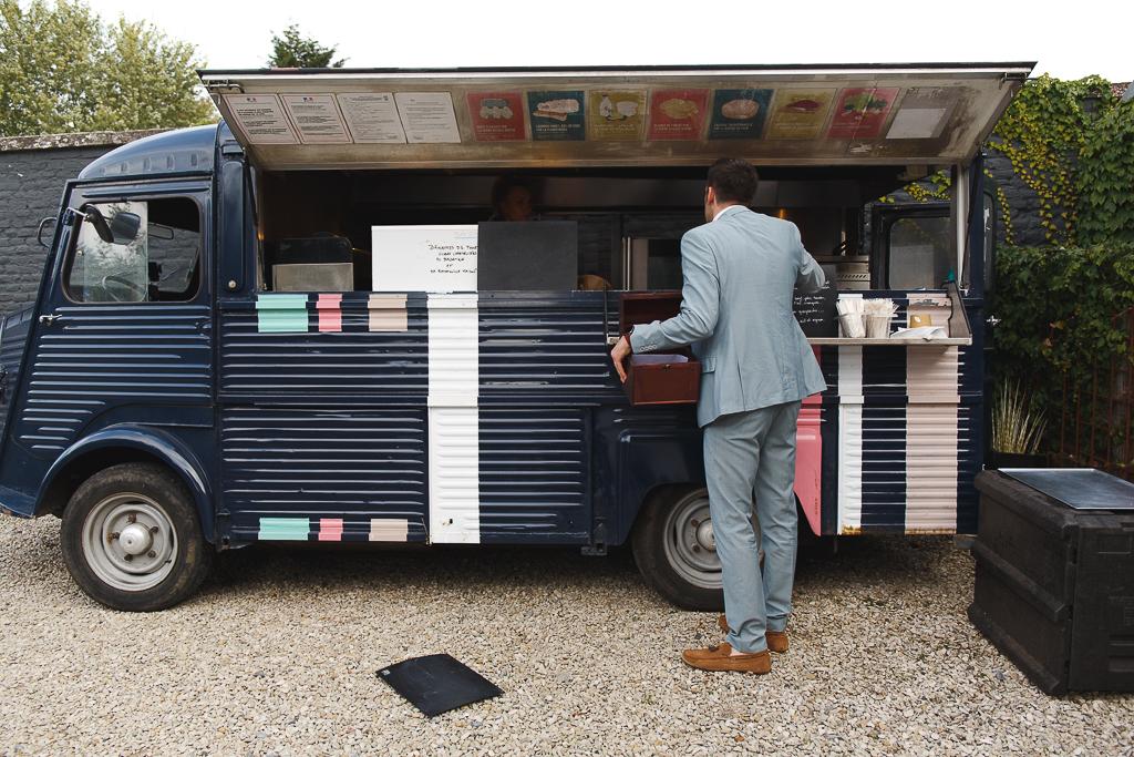 Foodtruck burgers locavore soir de mariage repas en extérieur France Belgique