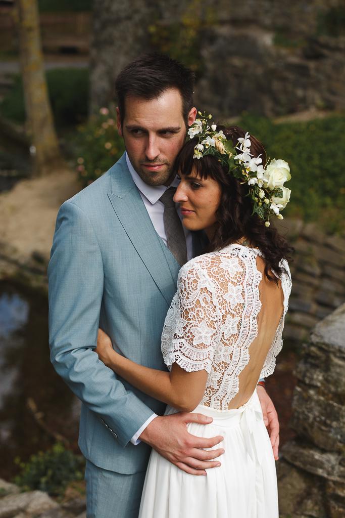 Fred LAURENT Photographe mariage dans l'esprit guinguette en Belgique. séance photo du couple au moulin.
