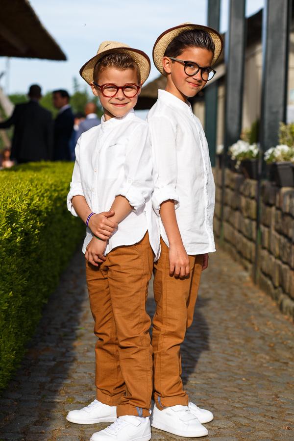 deux garçons photo mariage réception campagne belge Molenhof
