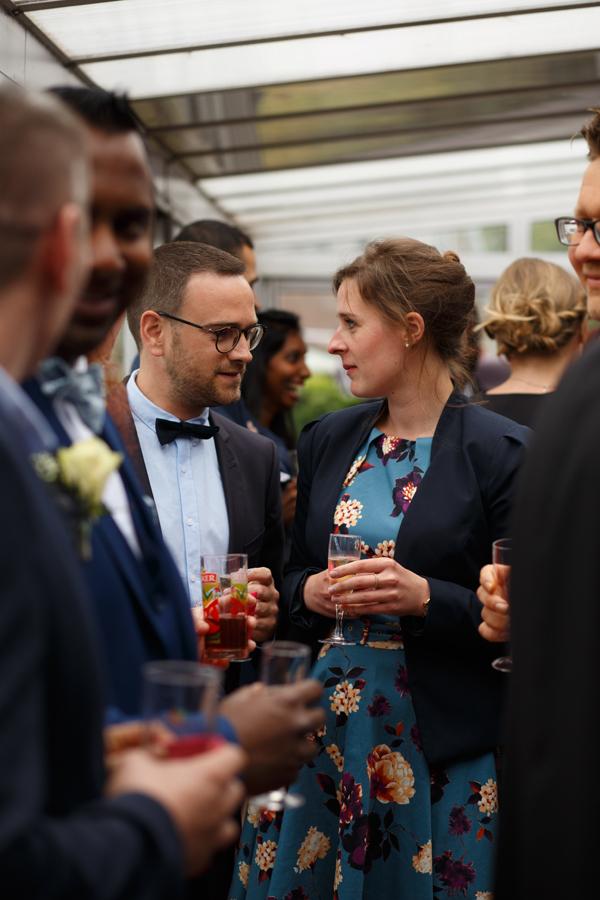 invités mariage vin d honneur véranda instant photographe mariage Armentières Bailleul Nieppe