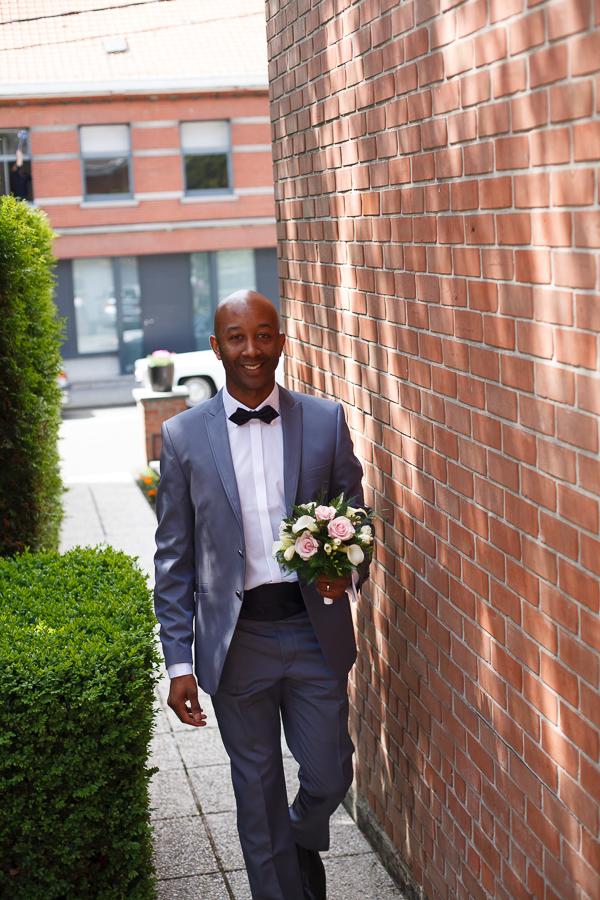 marié avec bouquet photographe mariage Nord Mouscron Lille