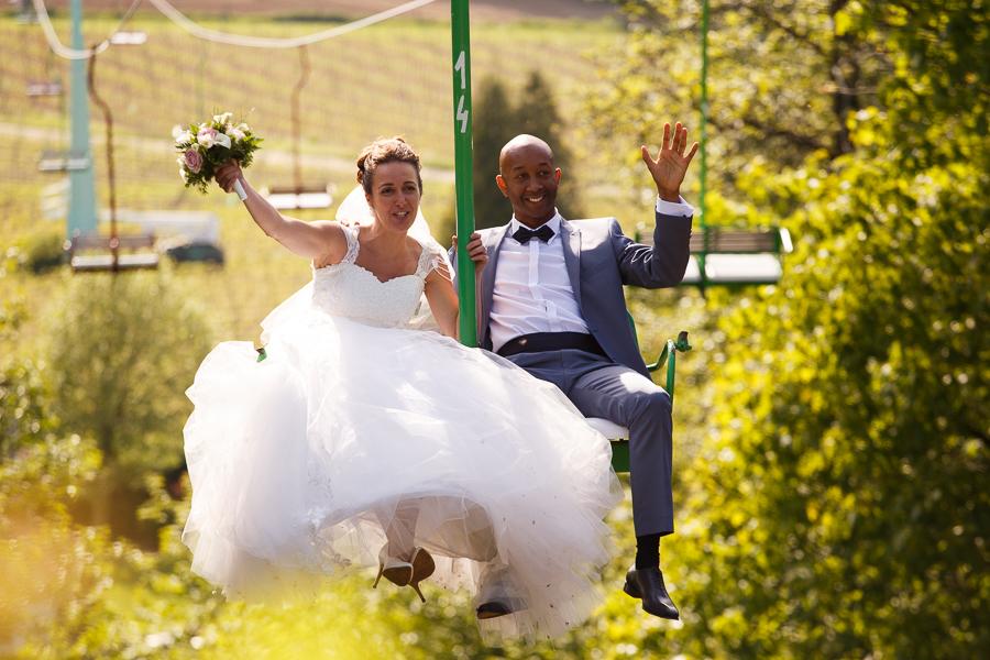 mariage au Molenhof idée originale pour arrivée des mariés télésiège Mont Noir Mont Rouge Fred Laurent photographe Nord