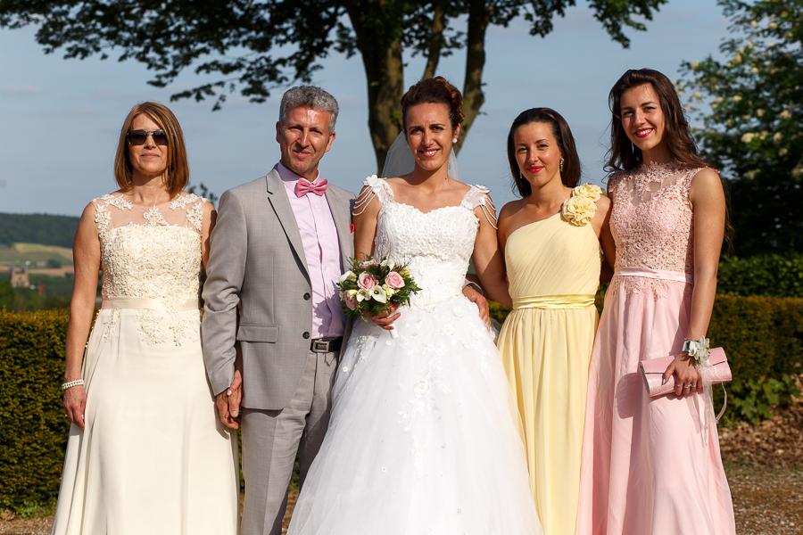photo groupe avec mariée reportage mariage Nord France et Belgique Monts des Flandres