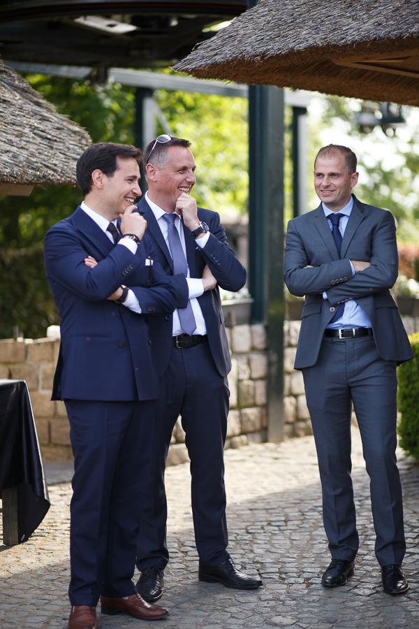 photo sur le vif de trois invités vin d'honneur mariage Nord Tourcoing Mouscron et Molenhof Flandre belge