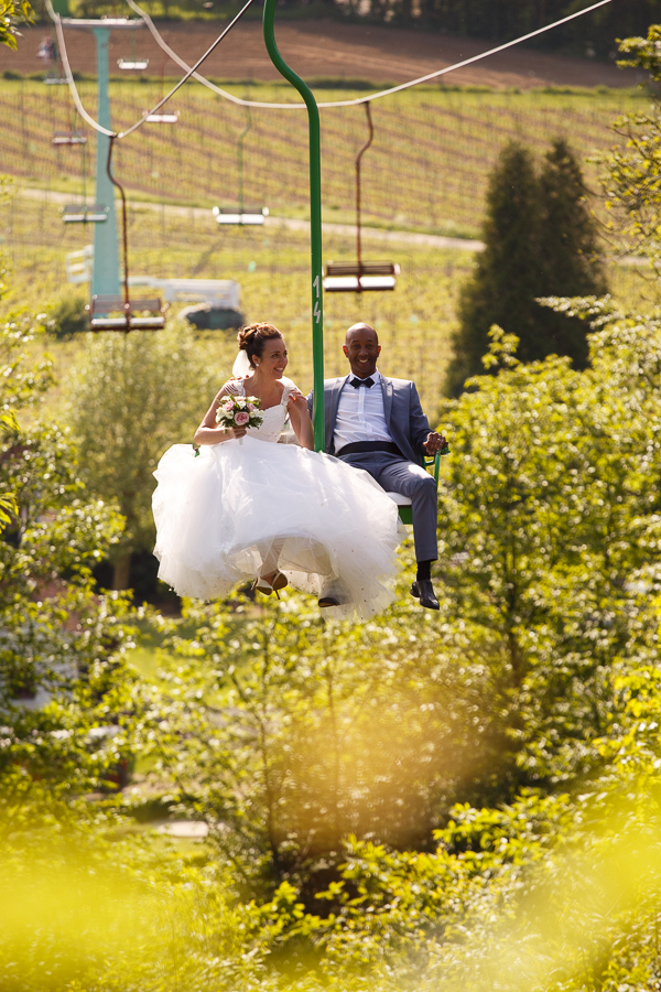 photographe mariage Nord mariés télésiège Mont Rouge Belgique Kabelbaan Cordoba