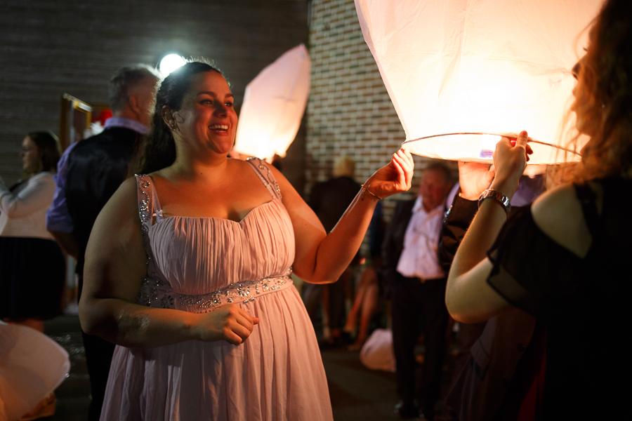 photographe mariage animation soirée mariage Nord lâcher de lanternes céleste surprise invités