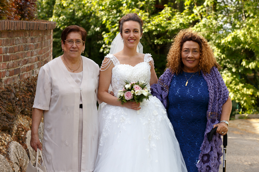 portrait mariée et deux invitées mariage Flandre belge proche Lille