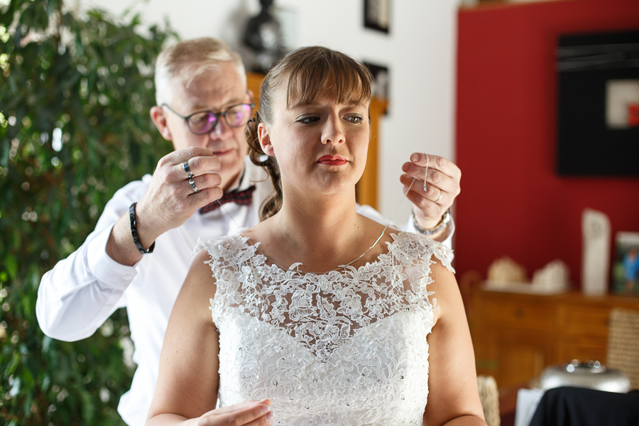 préparatif mariée bijou photographe mariage Richebourg