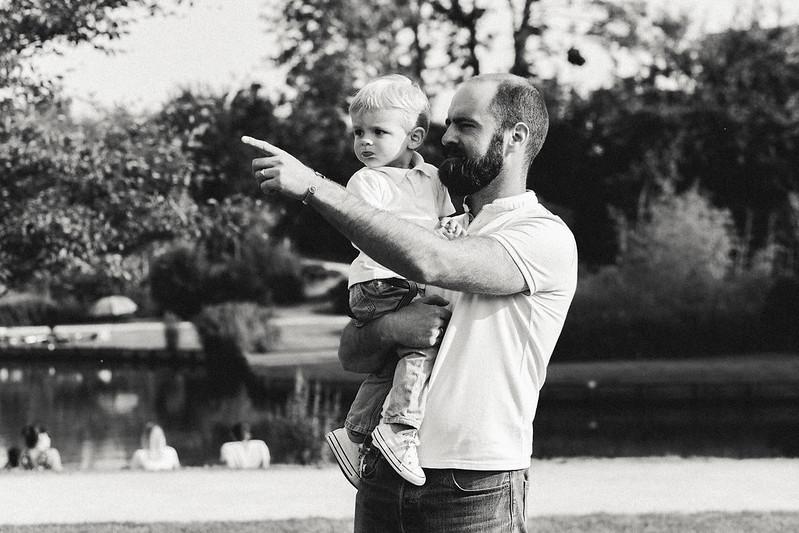 photographe famille Wambrechies portraits en noir et blanc couples avec enfants
