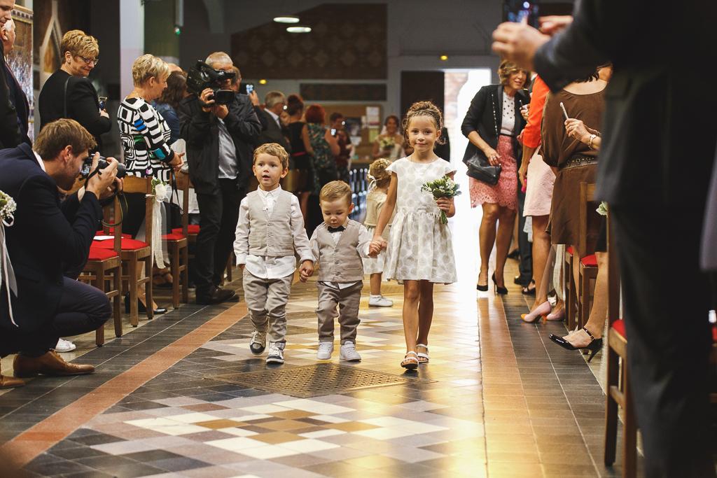 photo de mariage demoiselles église Comines