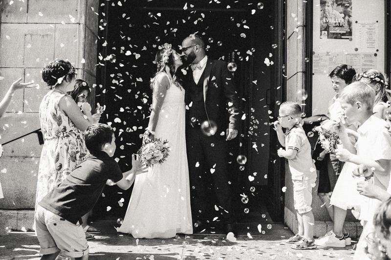 mariage sortie église photo nb PdC